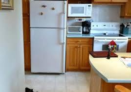 porte de cuisine en bois cuisine bois placard de cuisine en bois moderne con placard de