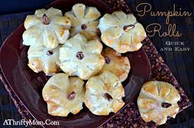 pumpkin shaped dinner rolls and easy for