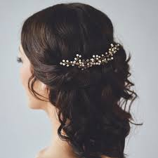 wedding hair combs useful tips for choosing bridal hair accessories for a