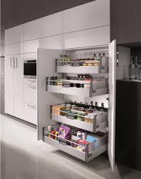 rangement cuisine coulissant agencement et équipements de cuisines haut de gamme sur mesure