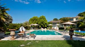 luxury villas in sicily to rent for winter holidays