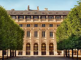 paris palais royal luxury duplex apartment homeaway palais royal