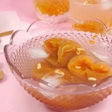 korean food photo maangchi s persimmon punch maangchi com recipe korean ginger cinnamon punch sujeonggwa korean drink