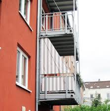 balkon jalousie 13 best images about balkonumrandung balcony blinds on
