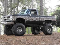 Chevy And Ford Truck Mudding - i want this truck in my drive way so i can drive it anytime i