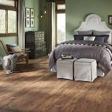 Skyline Maple Laminate Flooring Shop Pergo Max Premier 7 48 In W X 4 52 Ft L Amber Chestnut