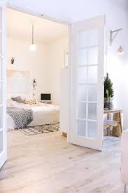 parquet blanc chambre parquet de chambre cheap pose duun parquet stratifi dans une