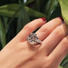 big diamond engagement rings the diamond engagement rings on bond the largest