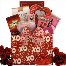 valentines day gift baskets hugs kisses with itunes gift card s day gift basket