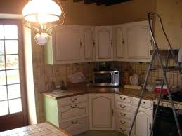 comment repeindre sa cuisine en bois peindre une cuisine en bois en massif cuisine massif comment