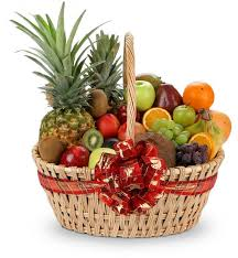 christmas fruit baskets season s bounty fruit gift baskets a refreshing abundance