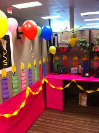 decorating coworkers desk for birthday 58 best birthday cubicle decorations images on pinterest birthdays