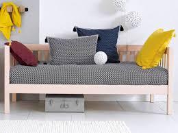 petit canap pour studio studio nos 30 idées de rangements bien pensés décoration