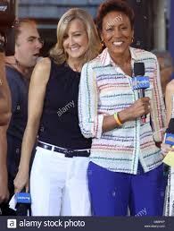 robin roberts lara spencer stock photos u0026 robin roberts lara