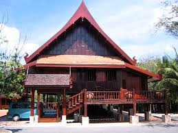 file thai traditional house on stilts trat thailand jpg
