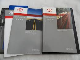 2012 toyota highlander owners manual amazon com books