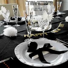New Years Table Decorations Home Dzine Entertain Crafty Ways To Decorate For New Year