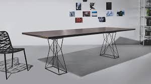 Uma Table L Caos Design Marcelo Ligieri Uma Estrutura Básica Abriga Um Assento