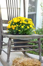 front porch fall decor blogging tour bees in a pod with mums