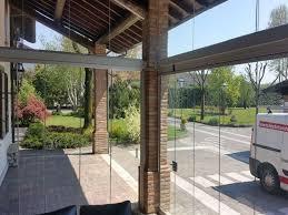 vetrate verande chiusure per esterni in vetro e pvc vetrate scorrevoli e pieghevoli