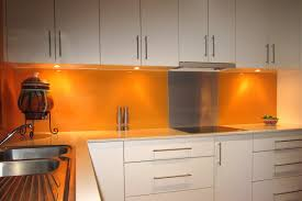 Acrylic Splashbacks With Metaline Insert Behind The Cooktop - Acrylic backsplash