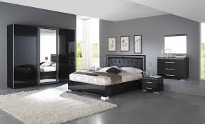 chambre a coucher noir et gris deco chambre noir violet idées de décoration capreol us