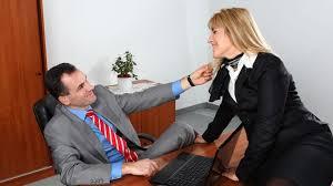 emploi de bureau séduire au bureau cinq astuces pour draguer une collègue de