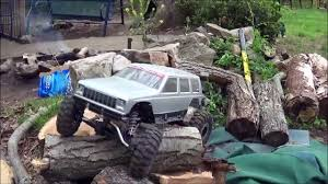 mudding jeep cherokee two rc jeep cherokee xj rock crawler 4x4 trucks axial scx10 honcho