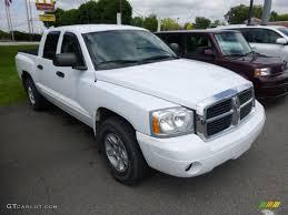 2005 bright white dodge dakota slt quad cab 4x4 96508102