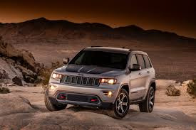 2016 jeep grand cherokee off road 2017 jeep grand cherokee gets new tough and premium trim levels