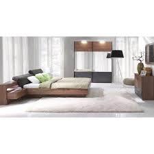 chambre à coucher complète chambre à coucher complète renato lit sommier tables de chevet