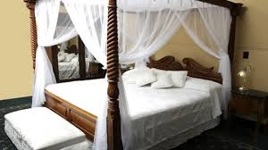 strikingly beautiful 4 post canopy bed curtains frame king netting