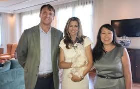 Pictures Of Kathy Ireland by Damiva Inc Signs With Kathy Ireland Worldwide As Well As Level