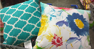 Walmart Sofa Pillows by So Cute Outdoor Throw Pillows Just 5 At Walmart In Store