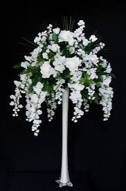 Tower Vase Centerpieces Events By Tammy Diy Wisteria Centerpieces