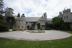 playboy mansion is being bought by billionaire daren metropoulos
