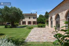 Colonial Farmhouses Farmhouse With Annex For Sale In The Marches 15 Km From The Sea