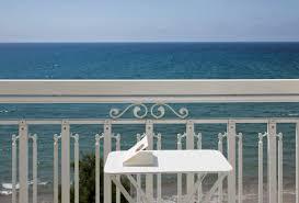 chambre vue sur mer chambre vue mer hôtel 4 étoiles grand hôtel des sablettes la seyne
