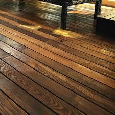 pavimenti in legno x esterni pavimento in legno composito per esterni idee di design per la casa