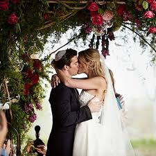 planning a wedding ceremony last minute wedding tasks brides