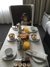 chambre et petit dejeuner petit déjeuner en chambre picture of intercontinental marseille