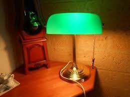 le de bureau opaline verte lampe de bureau notaire banquier pied droit chaînette opaline