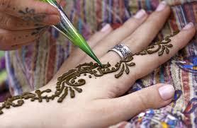 what to wear in indian wedding mehandi ceremony rachna sen