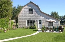 robert paterson s weblog family compound on pei is this what this is where we were that christmas this is what we call the barn it is 2 500 square feet and sleeps 7 easily it is 100 feet from the main house