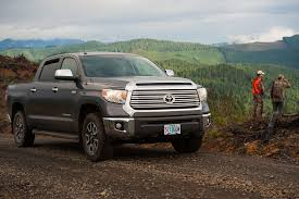 toyota tundra cer top review 2015 toyota tundra crewmax 4 4 jumps the line with