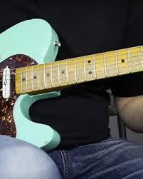 video tutorial belajar gitar klasik how to play licks in between chords 10 exles with tab guitar world