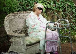 Hawaii Chair Ellen Ellen Burstyn Reveals She Can U0027t Make A Living In Hollywood Daily