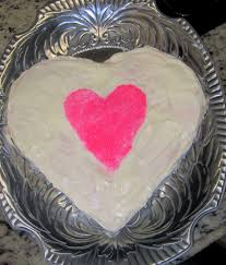 How To Decorate Heart Shaped Cake How To Make A Heart Shaped Cake C R A F T