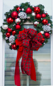 Outdoor Hanging Christmas Decorations Diy Christmas Window Wreaths Paint Yourself A Smile