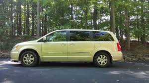 2012 chrysler town u0026 country overview cargurus